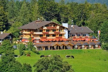 Alpengasthof Gröbl-Alm in Mittenwald im Sommer