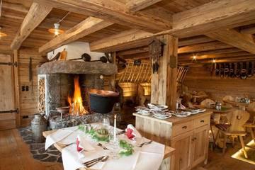 Almstube im Alpengasthof/-hotel Gröbl-Alm