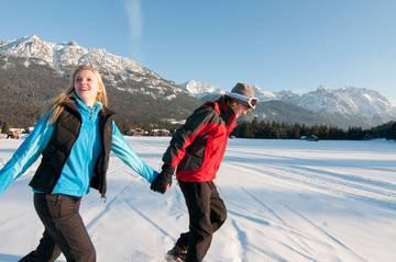 Schneeschuhwandern in Mittenwald im Karwendel