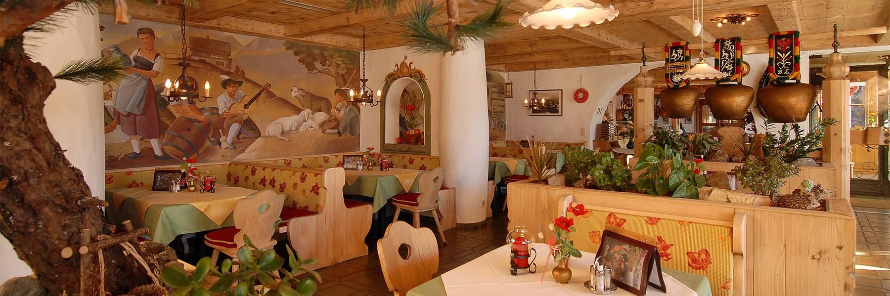 Restaurant im Alpengasthof Gröbl-Alm, Mittenwald